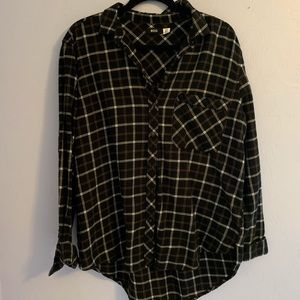 3 for $40 🌟🌟 BDG Flannel from UO